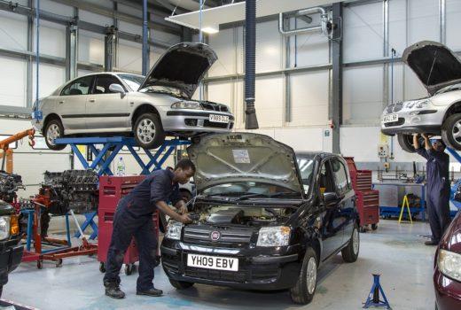 Benefits of Choosing a Luxury Car Service Center